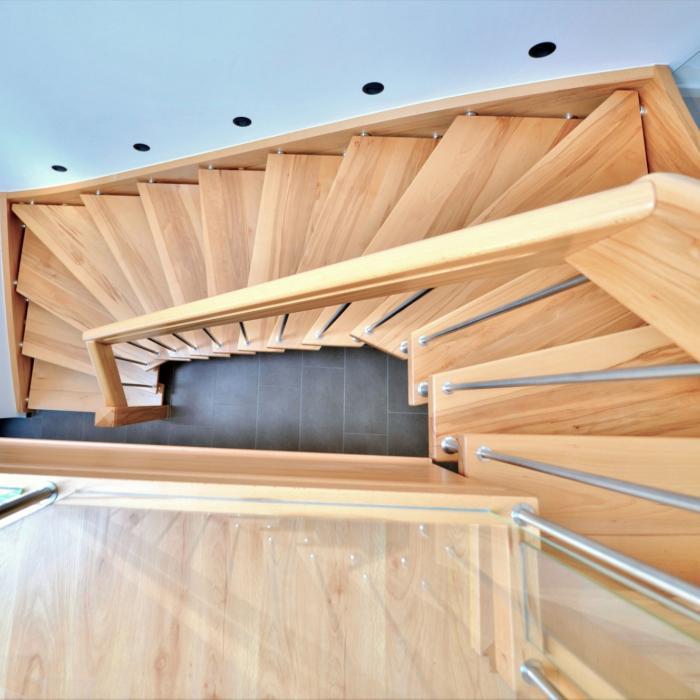 freitragende Treppe 11