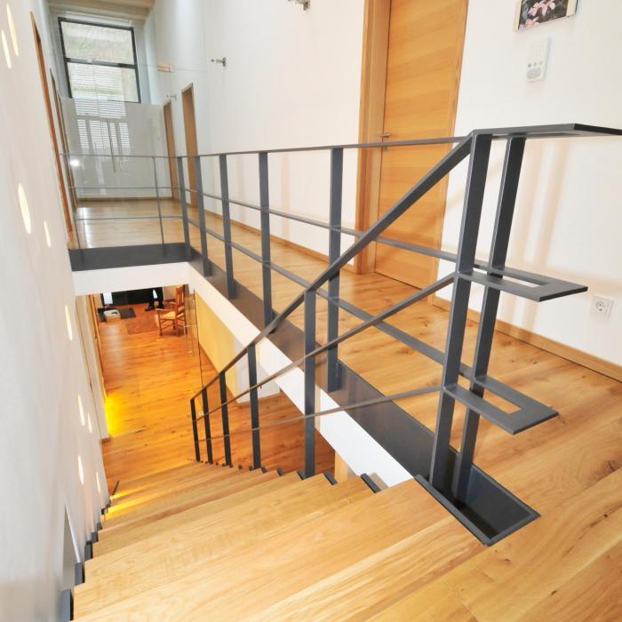 Stahltreppe 10