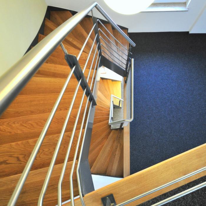 Stahltreppe 12